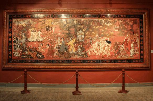 Chiêm ngưỡng bức tranh sơn mài Vườn xuân Bắc Trung Nam