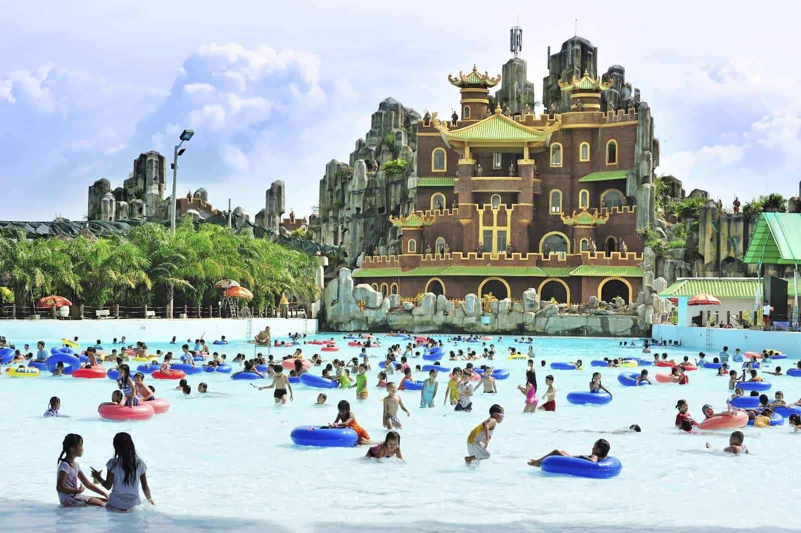 Vào các mùa du lịch, nơi đây thu hút đông đảo khách du lịch đổ về