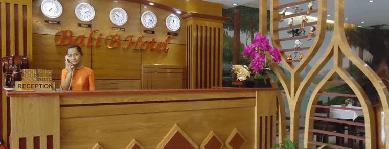Hình ảnh quầy lễ tân tại nhà nghỉ Bali B