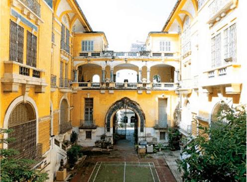 Hình ảnh sân chính của tòa nhà