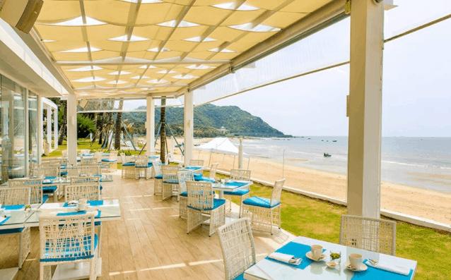 Khu nhà hàng lãng mạng tại Alma Oasis Long Hải Resort and Spa
