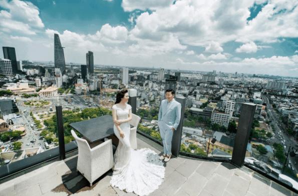 Khung cảnh ảnh cưới lãng mạng được chụp tại Bitexco