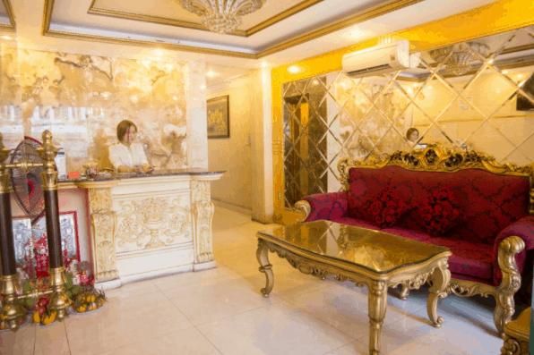 Quầy lễ tân tại nhà nghỉ Phụng Hoàng 1