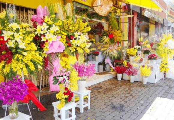 Thị trường hoa tươi ở TP HCM ngày 20/11 ngày cành nhộn nhịp