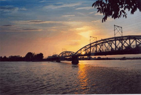 Hoàng hôn thơ mộng trên sông Đồng Nai