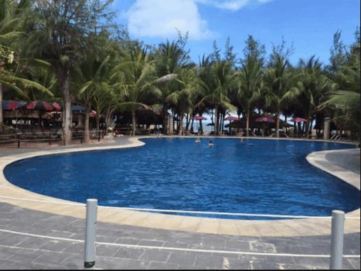 Bể bơi thư giãn dành cho người lớn