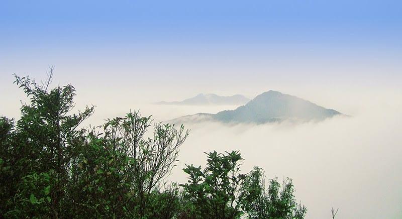 Ngắm mây từ đỉnh Rùng Rình - Tam Đảo
