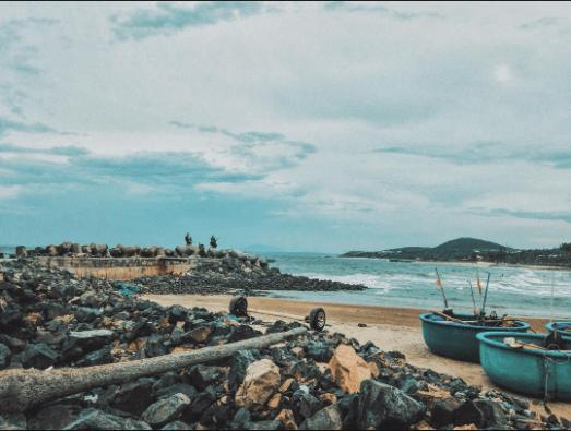 Bình yên ở bãi đá Ông Địa