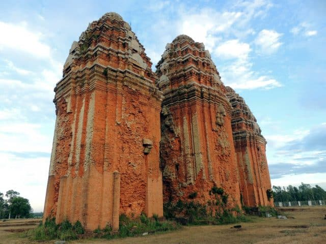tháp Dương Long Bình Định (Ảnh ST