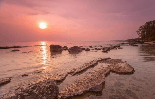 Khung cảnh hoàng hôn lãng mạng trên đảo ngọc Phú Quốc