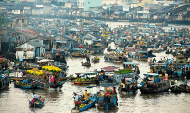 Không khí nhộn nhịp tại phiên chợ nổi tại Châu Đốc