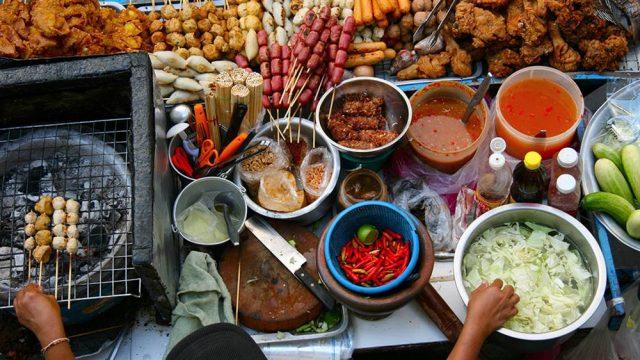 Những món ăn đường phố hấp dẫn (Ảnh ST)