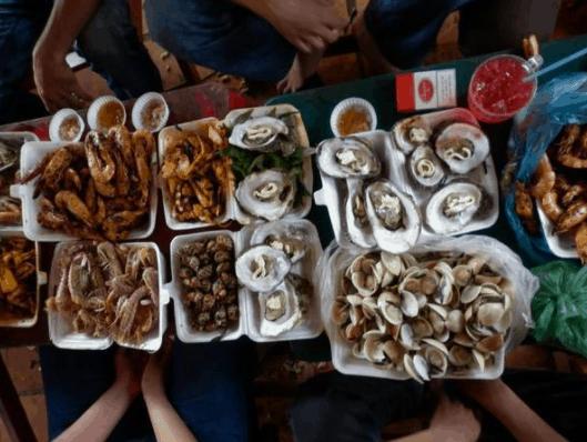Cùng nhau thưởng thức hải sản tươi ngon
