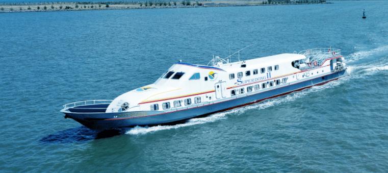 Bạn sẽ không mất quá nhiều thời ra đảo bằng tàu cao tốc
