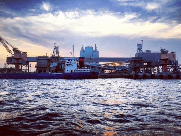 Cảng biển Tân Lập