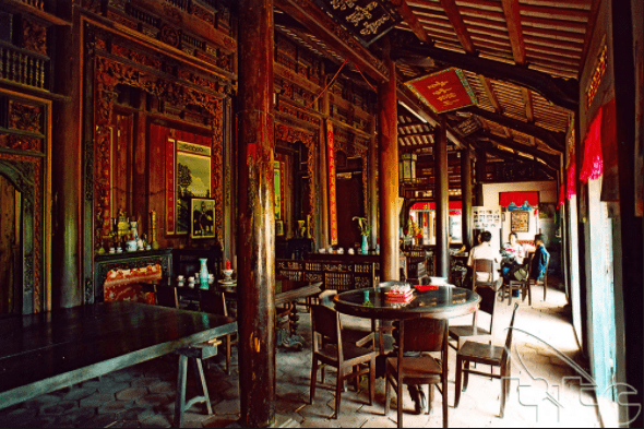 Thiết kế cổ điển của nhà cổ trăm cột