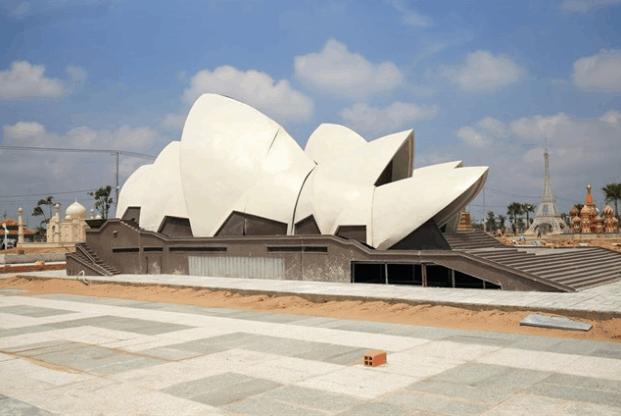 Mô hình nhà hát Opera Sydney có kiến trúc độc đáo giống hình con sò
