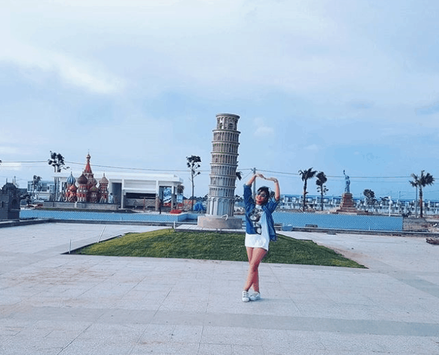Tháp Pisa trứ danh của Italy