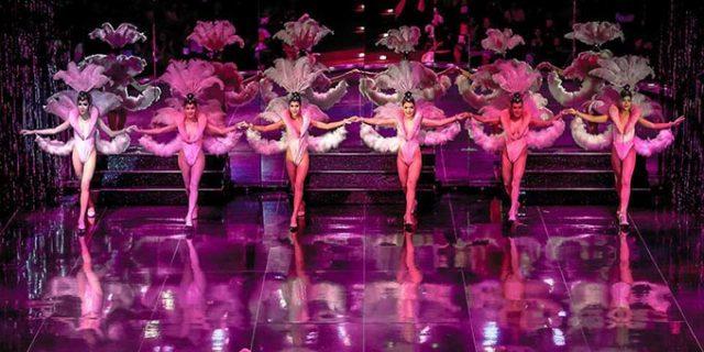 Show diễn của những cô gái chuyển giới vô cùng xinh đẹp (Ảnh ST)