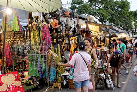 Đi chợ vào buổi sáng sẽ mát mẻ và dễ chịu hơn (Ảnh ST)