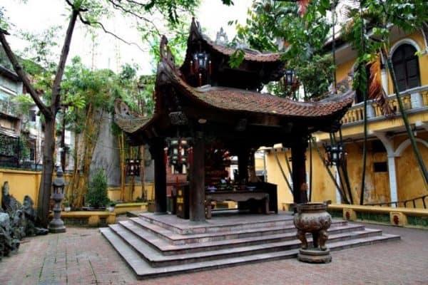 chùa linh thiêng ở Hà Nôi