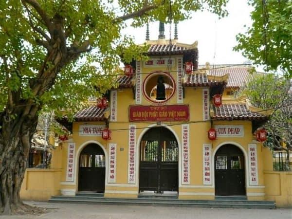 Chùa linh thiêng ở Hà Nội