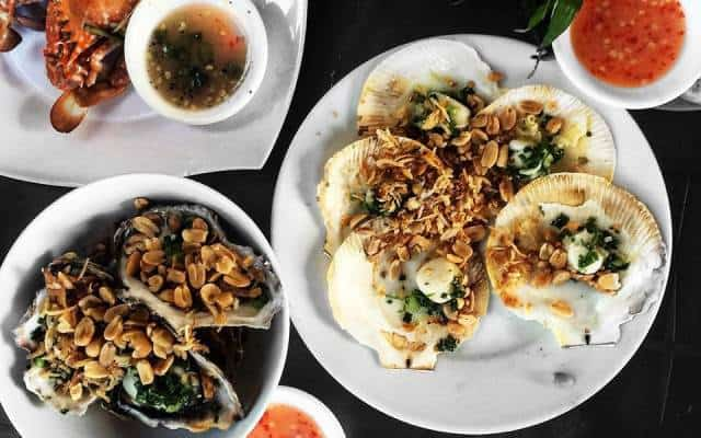Nhà hàng Hoàng Thoan - Nhà hàng hải sản Quy Nhơn nổi tiếng ở vùng biển Eo Gió (Ảnh ST)