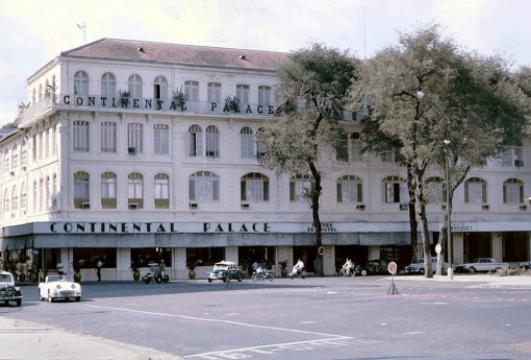 Khách sạn Continental còn được gọi là khách sạn Hoàn Cầu