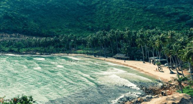 Bãi biển ở Nam Du sóng ít biển xanh trong