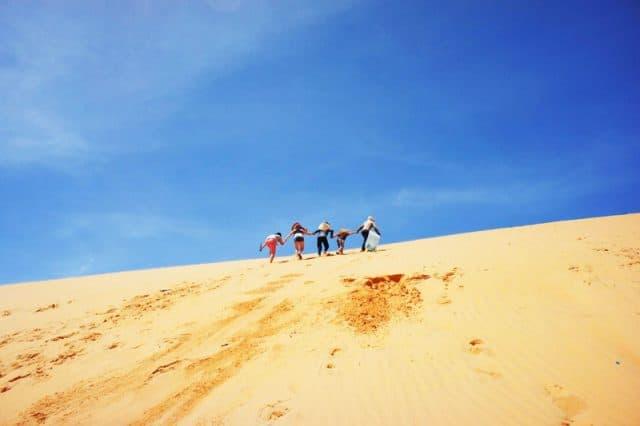 Bạn có thể khám phá đồi cát Phương Mai vào bất kỳ thời điểm nào trong ngày cũng đều đẹp cả (Ảnh ST)