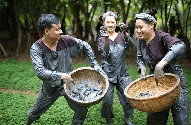 Trải nghiệm các trò chơi dân gian tại khu du lịch Lan Vương