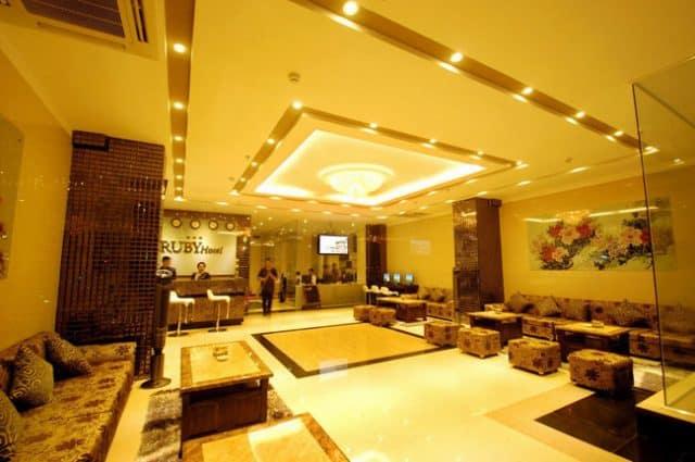 Sảnh tầng 1 thiết kế trang nhã, ấn tượng theo tiêu chuẩn khách sạn 3 sao ở Nha Trang (Ảnh ST)