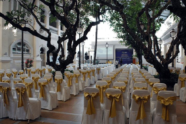 Khu tổ chức hội họp ở ngoài trời tại hotel continental saigon