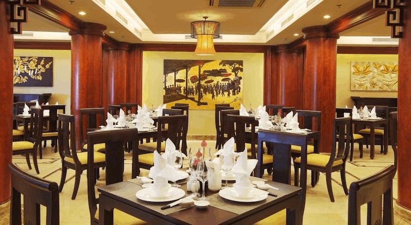 Không gian nhà hàng Cung Đình tại Rex hotel SaiGon