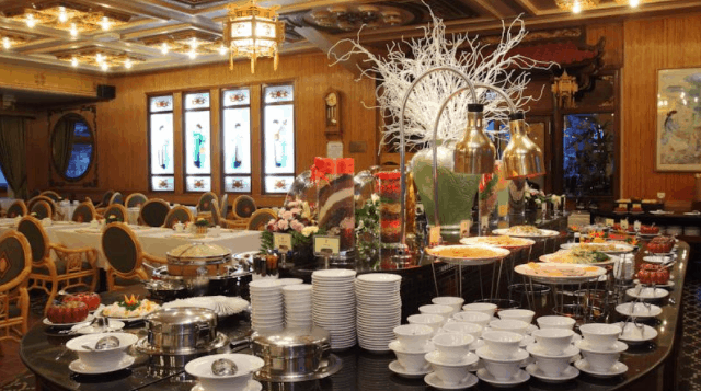 Thưởng thức những món ăn ngon tại nhà hàng Cung Đình