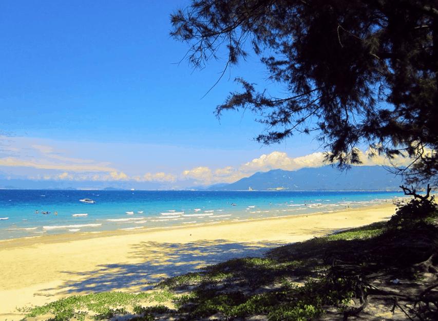 Vẻ đẹp hoang sơ tại bãi biển Thừa Đức