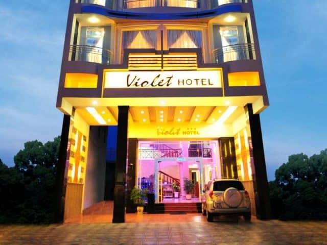 Violet Hotel với 30 phòng ngủ, tọa lạc tại trung tâm thành phố Nha Trang cách biển chỉ vài bước chân (Ảnh ST)