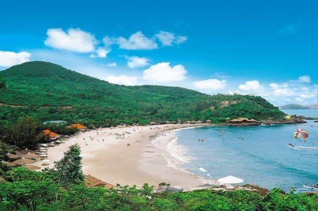 Bãi biển thơ mộng của Nha Trang (Ảnh ST)