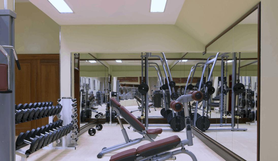 Phòng tập gym được trang bị đầy đủ thiết bị hiện đại