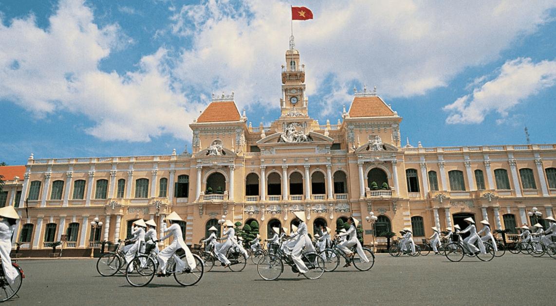 Sheraton Saigon nằm gần ủy ban nhân dân thành phố Hồ Chí Minh