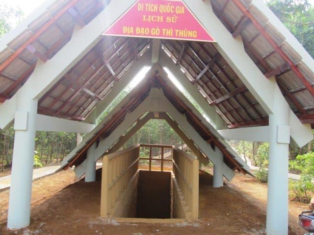 Lối vào địa đạo được xây khang trang (Ảnh ST)