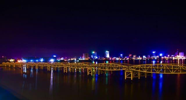 Hình ảnh cây cầu khi về đêm (Ảnh ST)