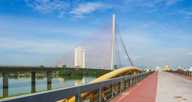 Cây cầu này nằm ngay sát bên cầu Trần Thị Lý (Ảnh ST)