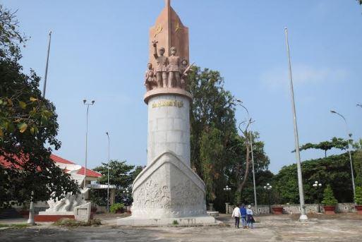 tượng đài Bảo Vệ An ninh Tổ Quốc