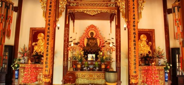 Trong điện thờ của ngôi chùa (Ảnh: ST)