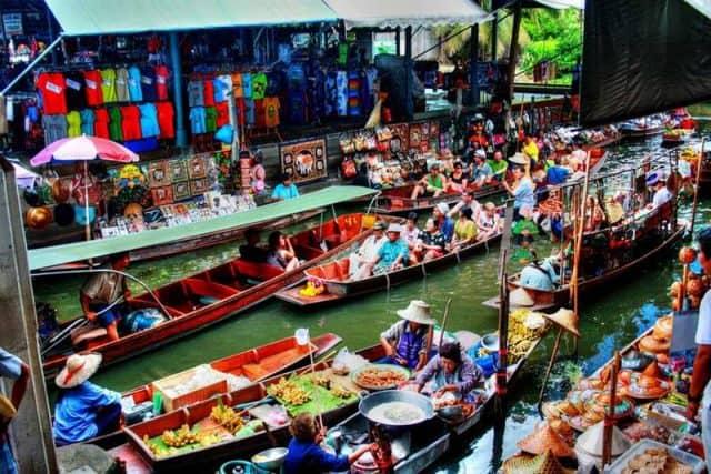 Hình ảnh nhộn nhịp tại chợ nổi Damnoen Saduak (Ảnh ST)