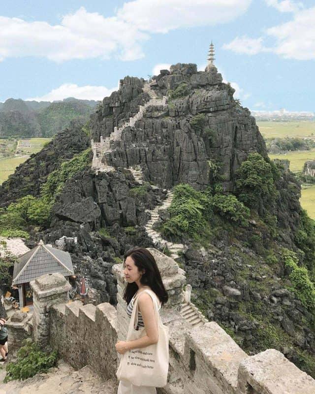 Hang Múa địa điểm du lịch hấp dẫn ở Ninh Bình