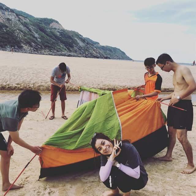 Bạn có thể cắm trại ngay tại bãi biển nơi đây (Ảnh ST)