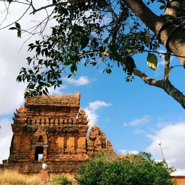 Tháp Poklong Garai