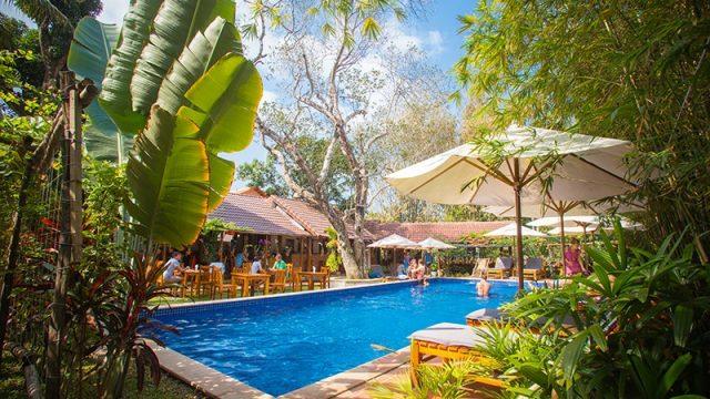 Bể bơi ngoài trời của Resort